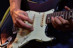 松たか子 旦那は「東京ラブストーリー」の主題歌でギターを弾いていた?!父親の名前は!?